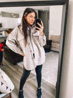 Oversized Shirt Outfit, Camisa Oversized, Oversized Jacket, Casual Fall Outfits, Fall Winter Outfits, Spring Outfits, Leather Jacket Outfits, Leather Leggings, Winter Mode