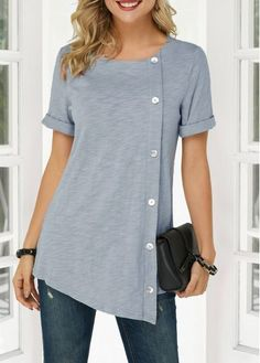 Stylish Tops For Girls, Trendy Tops For Women, T Shirts For Women, Umgestaltete Shirts, Casual Shirts, Women's Tees, Cheap Shirts, Mode Outfits, Fashion Outfits