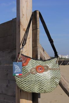 Shoulder strap bag - recycled carbon/kevlar sail and dacron  #madeinitaly #sail #bags