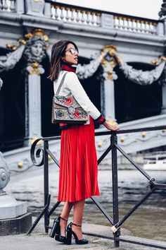See How 8 Bloggers Wore This Season's Hottest It-Bag — Bloglovin'—the Edit