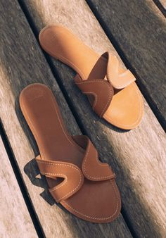Must have casual womens shoes. Designer shoes, shoes for women, ladies sandals, womens shoes casual, Womens Footwear Fashion and Shoe Trends. Womens High Heels, Womens Flats, Hermes Oran Sandals, Mango Shoes, Shoes Flats Sandals, Frauen In High Heels, Summer Shoes, Leather Men, Designer Shoes