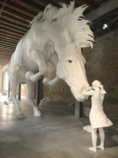 Hanblechia Model Horse Sculpture Painting and Custom Glazed Chinas by Paige Easley Patty Sculpture Textile, Sculpture Painting, Horse Sculpture, Knife Painting, Pretty Horses, Beautiful Horses, Instalation Art, Equine Art, Horse Art