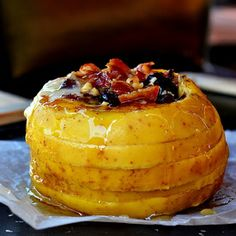 The best baked apple money can buy: Gorgonzola, bacon bits, nuts, cranberry with a splash of honey...(in Romanian)