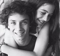 Joaquin Ochoa ❤️ Carolina Domenech so cute and so jealous Dali, Jealous, Tv Series, Wattpad, Teen, Couple Photos, Couples, Celebrities, Cute