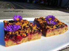 veS MÍRNA: Špaldový celozrnný ovocný koláč s drobenkou (vegan) Vegan Treats, Vegan Desserts, French Toast, Muffin, Breakfast, Blog, Fit, Morning Coffee, Shape