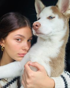 Leo DiCaprio's girlfriend Camila Morrone shows off husky pup Jack Portia De Rossi, Jack Y Jill, Camila Morrone, Foster Dog, Book Jewelry, Jewelry Making, Husky Puppy, Puppy Pictures, Dog Names