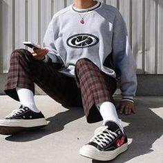 Behind The Scenes By cvshed Jumper Outfit, Sweatshirt Outfit, Korean Streetwear, Streetwear Mode, Streetwear Fashion, Skateboard Mode, Skateboard Fashion, Korean Fashion Men, Korean Street Fashion