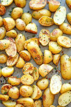 E asse algumas batatas enquanto você faz isso.