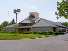 Cincinnati (OH) Best Western Clermont United States, North America Best Western Clermont is conveniently located in the popular Cherry Grove area. Both business travelers and tourists can enjoy the hotel's facilities and services. 24-hour front desk, facilities for disabled guests, Wi-Fi in public areas, car park, meeting facilities are just some of the facilities on offer. Guestrooms are fitted with all the amenities you need for a good night's sleep. In some of the rooms, gu...