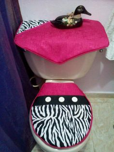 Bathroom Crafts, Bathroom Sets, Bathrooms, Sewing Crafts, Sewing Projects, Bathing Beauties, Dream Decor, Lace Design, Soft Furnishings