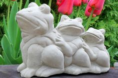 It is already a common thing that garden sculpture can be a significantly become a garden's attraction centerpiece and garden … Garden Animal Statues, Frog Statues, Garden Animals, Garden Statues, Garden Sculpture, Art Deco Coffee Table, Coffee Table Images, Amazing Gardens, Beautiful Gardens