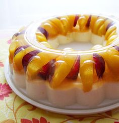 Recipe for Mango Yogurt Peach and Grape Jelly - Whatever your choice, this dessert will always look neat, glossy, and colorful. You might be surprised how little ingredients it requires.