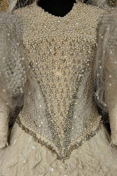 Atelier de couture de l'Opéra Garnier Paris, costume for Isabelle, Princesse de Sicile in Meyerbeer Robert-le-diable opera, silver and gold lace, beaded embroidery by Nathalie Jarniat