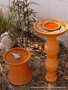 Please help your local wildlife during extreme summer heat - water is critical! Set up a *very* inexpensive bird bath: super-easy & fast to put together! Wonderful addition to your garden. Garden Projects, Garden Ideas, Diy Projects, Weekend Projects, Garden Tips, Backyard Ideas, Diy Bird Bath, Clay Pots, Garden Planters