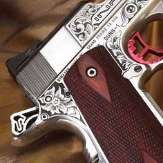 I'm not typically a big fan of engraving Engraving on a 1911, but this is very well done and unique. engraving by Steve Dunn