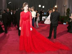 Sally Field does the Valentino for Oscars 2013
