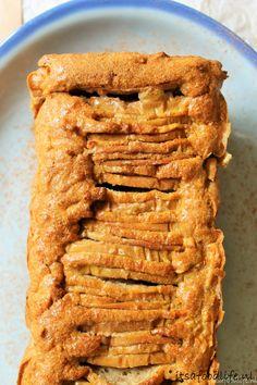 Recept voor suikervrije appel en peren cake - It's a food life A healthy sugar-free apple and pear c Healthy Sugar, Healthy Cake, Super Healthy Recipes, Healthy Cookies, Healthy Sweets, Healthy Baking, Sweet Recipes, Healthy Snacks, I Love Food