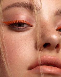 eyeliner for hooded eyes ; eyeliner looks ; eyeliner for beginners ; eyeliner tutorial for beginners Makeup Trends, Makeup Inspo, Makeup Inspiration, Makeup Ideas, Makeup Tutorials, Eyeshadow Tutorials, Makeup Goals, Photoshoot Inspiration, Nude Makeup