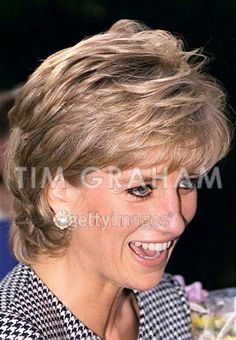 Princess Diana - love this haircut.
