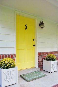 Yellow front doors are the new red front doors.