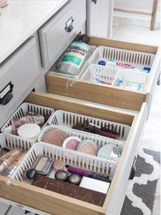 Dollar Store Bathroom Drawer Organization 2019 Keep drawers organized with super cheap bins from the dollar store! The post Dollar Store Bathroom Drawer Organization 2019 appeared first on Apartment Diy. Dollar Store Hacks, Dollar Stores, Dollar Dollar, Dollar Store Bins, Dollar Items, Bathroom Drawer Organization, Organization Hacks, Organizing Ideas, Organize Bathroom Drawers