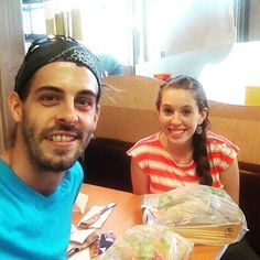 Derick Dillard Posts Controversial Picture of Jill Duggar Dillard and Baby Israel. Duggar Family Blog, The Dillards, Derick Dillard, Jill Duggar, 19 Kids And Counting, 3 Kids, Favorite Tv Shows, Israel, Parents