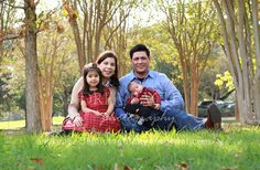 Houston and The Woodlands, TX, family photographer Family Portraits, Family Photos, Couple Photos, Houston Locations, Family Holiday, Family Photographer, Portrait Photographers, Woodland, Children