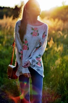 Boho chic floral print sweater--love it Look Fashion, Teen Fashion, Fashion Outfits, Womens Fashion, Fall Fashion, Fasion, Looks Street Style, Looks Style, My Style