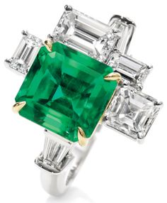 Central Park by #HarryWinston, emerald and diamond 5 stone #ring