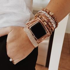 I cant wait to get an Apple Watch Live this arm candy! Women's Accessories, Apple Watch Accessories, Bracelet Apple Watch, Apple Watch Cuff, Apple Watch Rose Gold, Apple Watch Fashion, Fashion Watches, Michael Kors, Bling