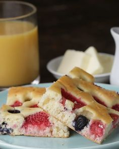 Servings 4-6INGREDIENTS4 cups pancake mix4 eggs2 cups milk1 cup strawberries, sliced½ cup blueberries1 cup raspberriesPREPARATION1. Preheat oven to 425˚F (220˚C).2. Pour pancake mix, milk, and eggs into a bowl and mix just until combined.3. Pour batter onto a parchment-lined baking sheet and spread to the edges.4. Place strawberry slices on top of the batter, followed by the blueberries and raspberries.5. Bake for 15 minutes, or until golden brown.6. Cut into squares and serve immediately…