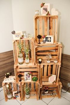 ~ 60 Rustic Country Wooden Crates Wedding Ideas [tps_header] For those of you getting married in a barn, farm or other rustic… em 2020 Rustic Wedding Venues, Chic Wedding, Wedding Ideas, Engagement Decorations, Wedding Decorations, Wooden Crates Wedding, Baby Shower Decorations, Diy And Crafts, Bridal Shower