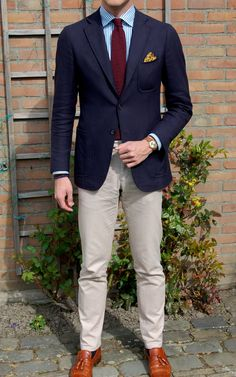 navy-blazer-with-striped-shirt-675x1081 14 Splendid Wedding Outfits for Guys in 2017