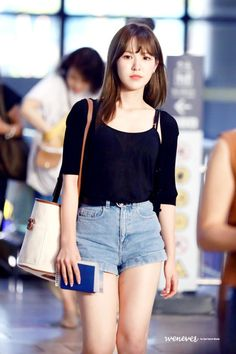 fiddl - 323 results for red velvet wendy Seulgi, Kpop Girl Groups, Korean Girl Groups, Kpop Girls, Wendy Red Velvet, Velvet Fashion, Airport Style, Airport Fashion, Look Cool