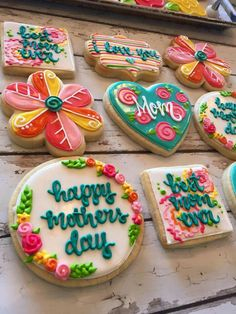 50 Novel Mother's Day Cookie Decoration Ideas to Surprise Her Mother's Day Cookies, Fancy Cookies, Cute Cookies, Easter Cookies, Birthday Cookies, Holiday Cookies, Cupcake Cookies, Holiday Gifts, Summer Cookies