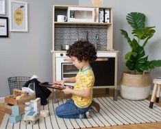 Kinderküche IKEA, ALDI oder LIDL? Der große Vergleich Ikea Hacks, Handgemachtes Baby, Kitchen Ikea, Lidl, Desk, Furniture, Pizza, Home Decor, Blog