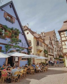 Doen in Riquewihr, Elzas in Frankrijk - Map of Joy Road Trip France, France Travel, Travel Europe, Camper, I Want To Travel, French Country, French Style, The Good Place, Places To Go