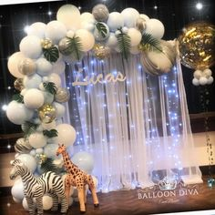 Animal themed organic arch & back drop - Balloon Decorations 🎈 Idee Baby Shower, Boy Baby Shower Themes, Baby Shower Gender Reveal, Baby Shower Parties, Baby Boy Shower, Babyshower Themes For Boys, Balloon Arch, Balloon Garland, Balloon Decorations