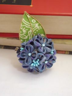HYDRANGEA in dusty BLUE KANZASHI inspired duo hair clip and brooch Diy Ribbon Flowers, Cloth Flowers, Kanzashi Flowers, Ribbon Hair Bows, Fabric Flowers, Japanese Flowers, Japanese Fabric, Fabric Bouquet, Red Rooster