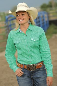 Cinch Women's Long Sleeve Western Snap Shirt <<< yes- cowgirl/western wear- on a legit level! Love that color! Rodeo Shirts, Cowgirl Shirts, Western Shirts, Cowgirl Outfits, Western Outfits, Western Wear, Western Style, Farm Clothes, Rodeo Clothes