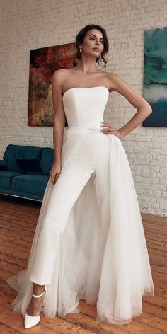 Dressy Jumpsuit Wedding, Wedding Pantsuit, Wedding Jumpsuit, Jumpsuit Dressy, Wedding Gowns, Wedding Bride, White Jumpsuit, Civil Wedding Dresses, Geek Wedding