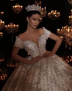 20 BREATHTAKING WEDDING GOWNS - Wonder Cottage Here are 20 breath-taking wedding gowns that willsurely have you looking and feeling like a princess. Sexy Wedding Dresses, Princess Wedding Dresses, Bridal Dresses, Wedding Gowns, Crystal Wedding Dresses, Ceremony Dresses, Wedding Outfits, Quince Dresses, Quinceanera Dresses