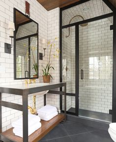 bathroom-decor-9-french-tradtitional-style-summer-thornton © Summer Thornton Design