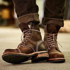 Rugged good looks. Impeccable quality. The Smugglers Notch 8-Inch Cap Toe Boots. #Timberland #BootCompany