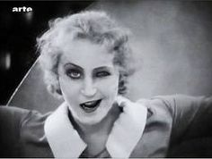 film analysis metropolis women Historical context of metropolis political and economic issues the political anxieties of germany in the 1920s are apparent in the film that of the conflict in relation to the state of contemporary germany, where the nation was heading towards modernisation.