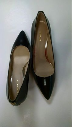 Coach, size 8--NEW