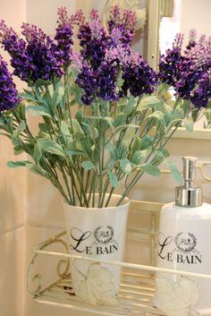 arranjos de flores artificiais para banheiro - Pesquisa Google                                                                                                                                                                                 Mais