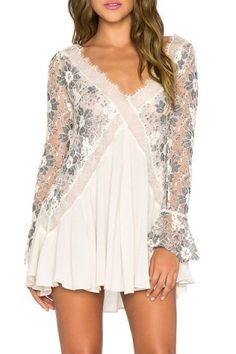 Chic Women's V-Neck Long Sleeve Lace Pleated Dress