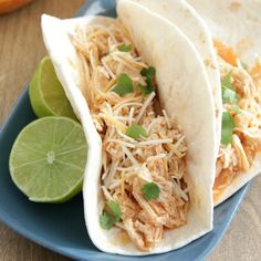 Slow Cooker Buffalo Chicken Tacos - So easy to prepare with four simple ingredients and perfect for lazy dinners or parties! Chicken Ranch Tacos, Buffalo Chicken Tacos, Chicken Salad, Marinated Grilled Chicken, Grilled Chicken Thighs, Slow Cooker Apples, Slow Cooker Recipes, Crockpot Meals, Slow Cooker Chicken Stroganoff