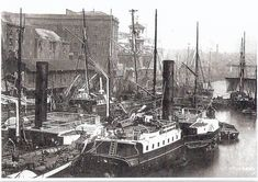 London Docks & Billingsgate fish market in about 1900 Old London, Vintage London, East London, Uk History, London History, Family History, London Docklands, Merchant Navy, Merchant Marine
